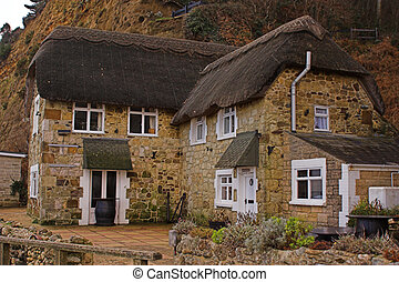 Thatched cottage - Thatched seaside cottage