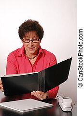 reviewing the portfolio 2089 - reviewing the portfolio room...