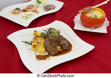 Roast with Pumpkinsoup - Braten mit KAtilde;frac14;rbissuppe...