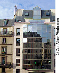 Paris Mirrors - A modern and a common facade of two houses...
