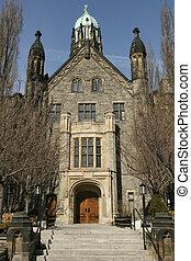 Trinity College 2 - University of Toronto