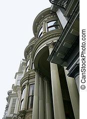 Victorian Architectu - Victorian architecture in San...