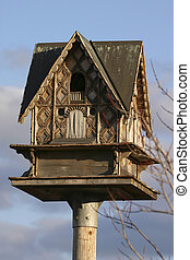 Fancy bird house - Top end living
