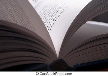 aufgeschlagenes Buch- piched book - aufgeschlaees Buch im...
