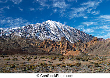 Teide volcano from far - Teide volcano in snow