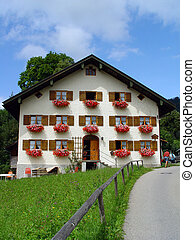 Bavarian House - An richly decorated old farm house in the...