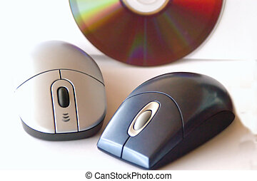 mice and media - mouse for computer and cd