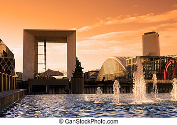 Sunset on the arch - The arch in La Defense business...