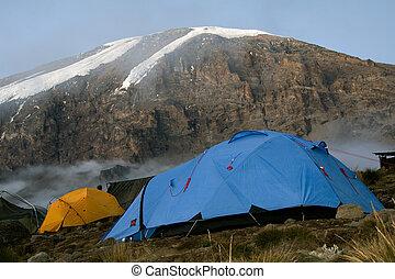 kilimanjaro 018 karango camp tent.