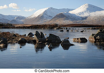 Lochan na h-Achlaise - Clach Leathad and Meall a\\\'Bhuiridh...