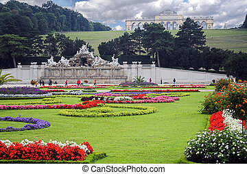 Vienna schrobrunn Garden with Neptune Fountain and Gloriette