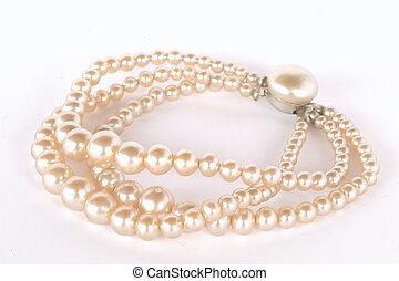 Her pearls - pearl bracelet