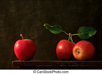 Tree Apple - Three red apple