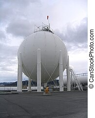 Gas container - Large contianer with liquid gas