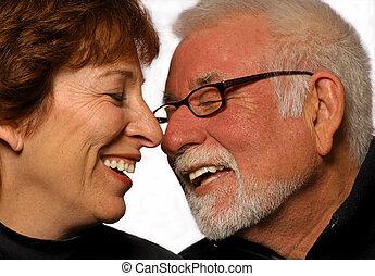 mariés, couple, rire