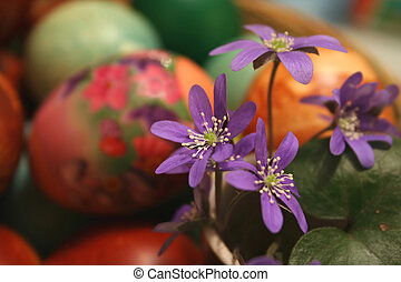 Violets ang easter eggs