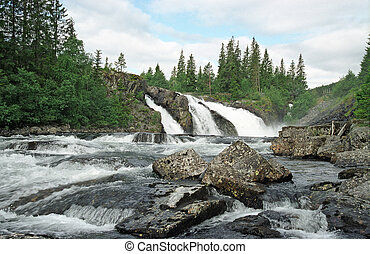 Falls in Norway - Mighty falls in central Norway