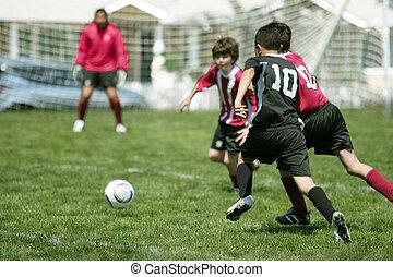 meninos, tocando, futebol