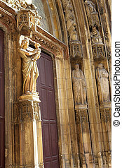 Aix-en-provence #27 - The wooden doors and statues of...