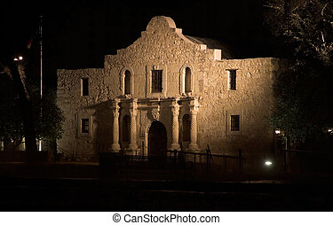 The Alamo At Night - The Alamo mission in San Antonio,...