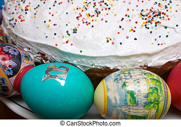 Easter cake and eggs - Easter cake and coloured eggs