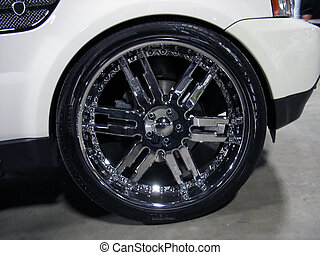 bling bling rims - some really big rims - plenty of bling...