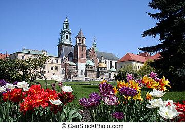 Wawel castle garden - View of Krakow castle in summer
