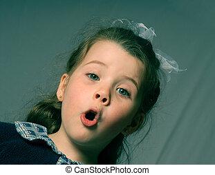 Girl shouting - little girl singing