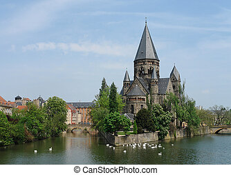 Metz Church - The Moselle river flows around an old...