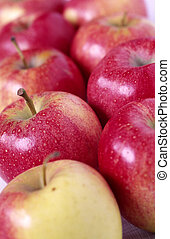 apples - dynamic row of apples