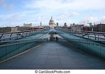 Millenium bridge, London - St Pauls cathedral and Millenium...