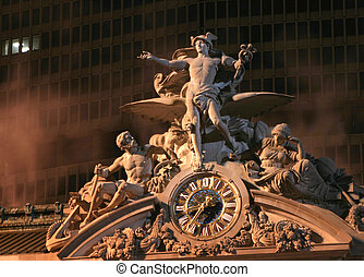 Grand Central Statue - The beaux arts statuary above the...
