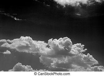 Monochome sky - Clouds in a dark sky