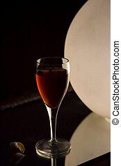 Small liquor glass