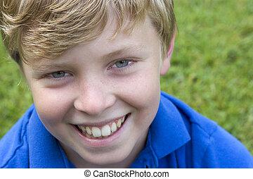 Junge, Lächeln