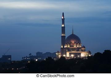 Putrajaya mosque, Kuala Lumpur, Malaysia. - Putrajaya mosque...