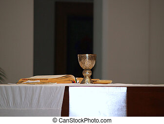 communion in Catholic church - preparing for communion in a...
