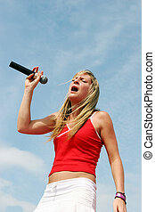 Singer hits the high notes