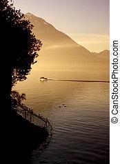 Lake of Varenna02