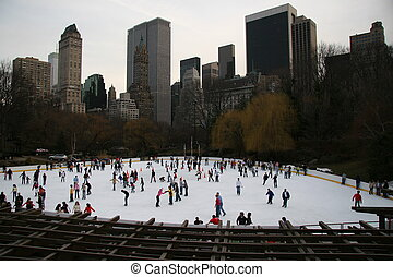 Manhattan Skate - A late winter, late day skate at the...