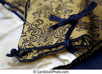 Chinese Silk Purse