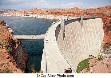 Glen Canyon Dam and Low Water Levels