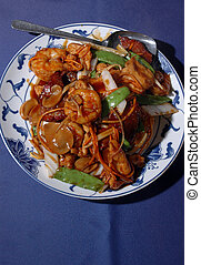 CHINESE FOOD - chinese ten ingredient pan fried noodles dish