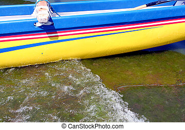 pirogue on water in Penthievre