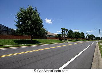 Road in a residencial neighborhood