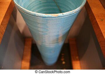 blue vase, top view