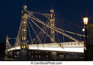 Albert Bridge - The albert Bridge at night in London