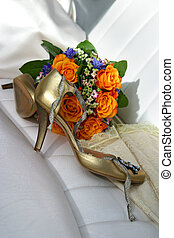 Wedding an accessory - Wedding bouquet from yellow roses...