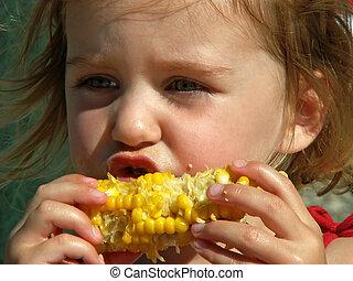 menina, comer, milho, cob