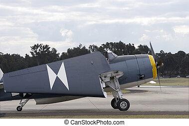 Grumman Avenger - Grumman TBM-3R Avenger with wings folded